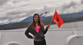 Atdhetare Ame, studentja shqiptare nga Dibra që shpalosi flamurin kombëtar në Anarktidë