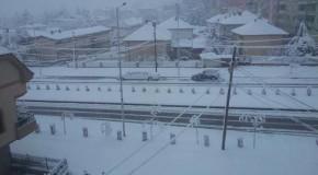 Bora zbardhi gjithë qytetin e Dibrës